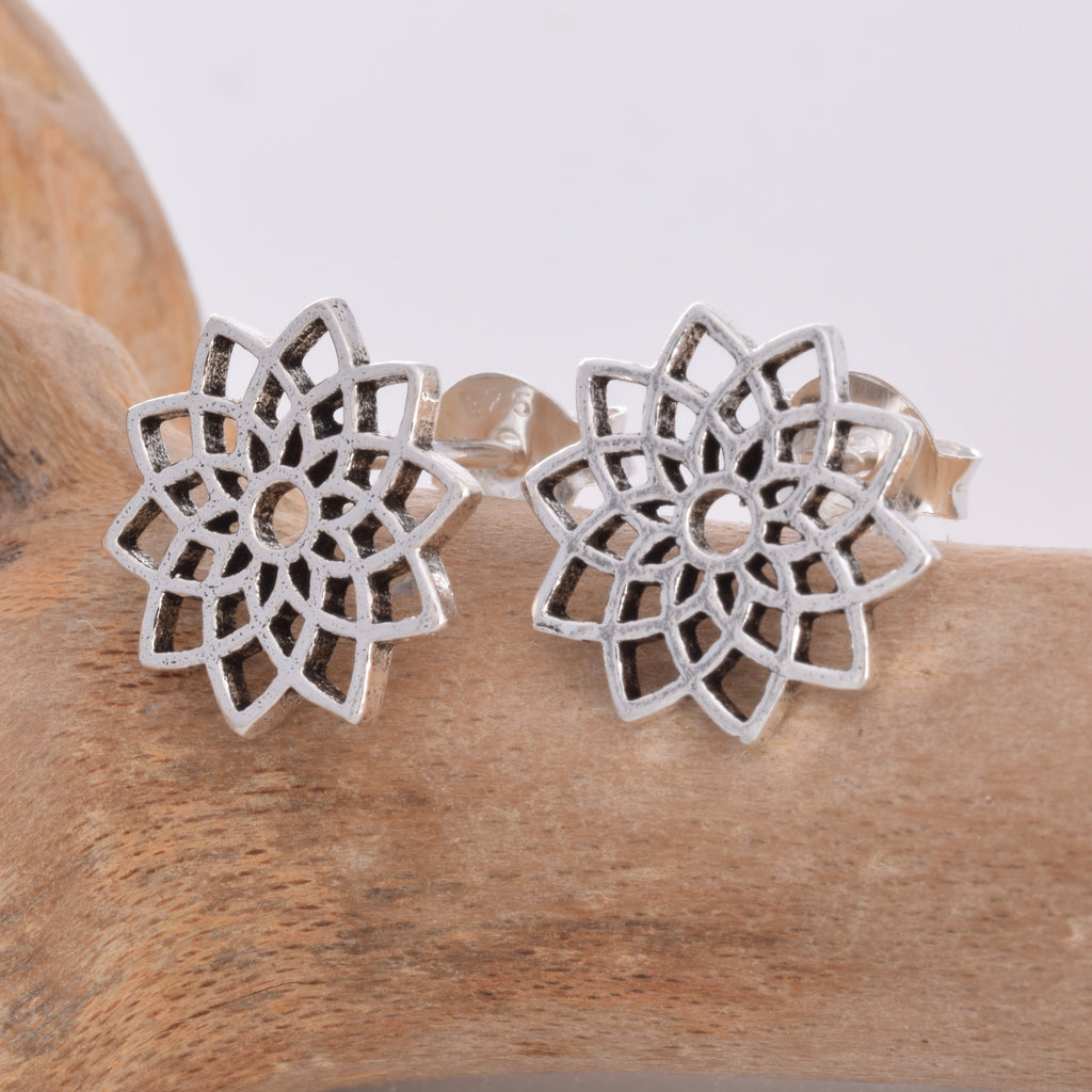 S480 - Mandala design stud earrings