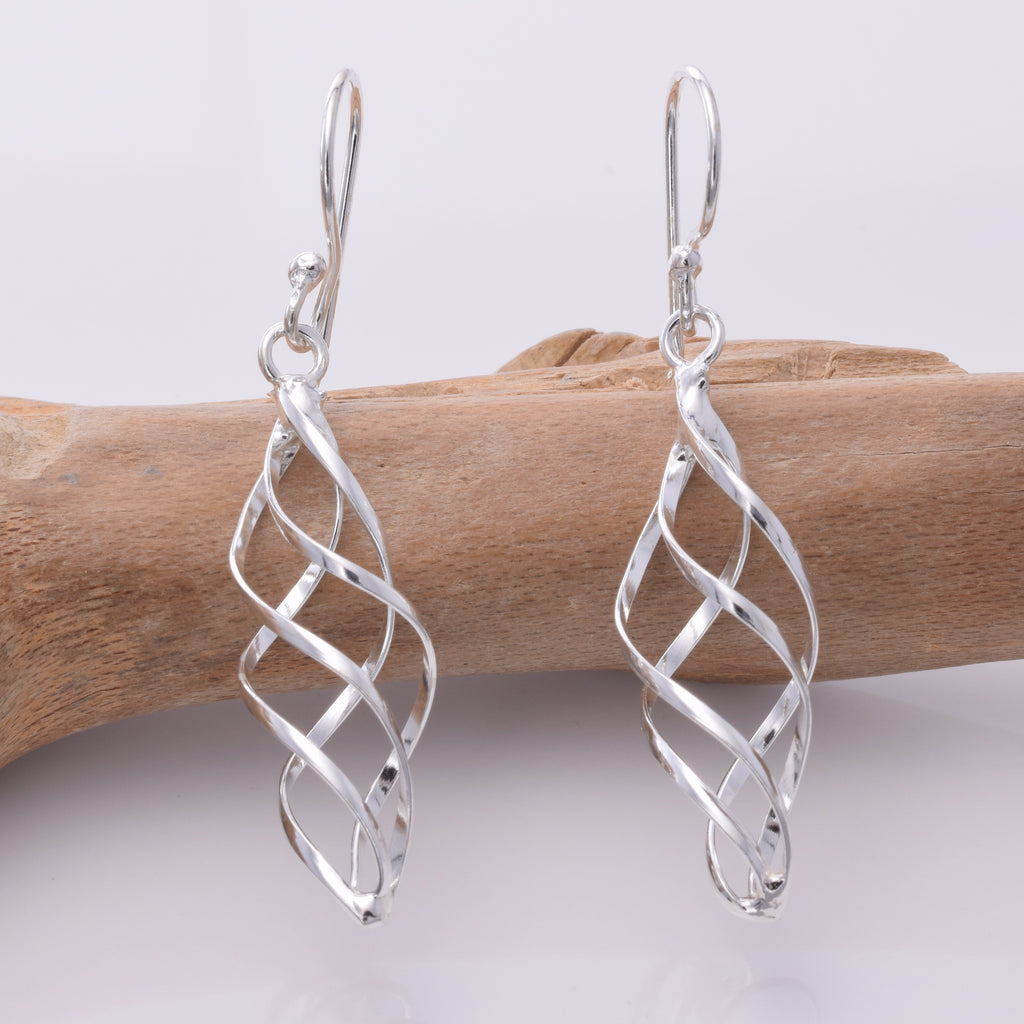 E213 Wire twist silver drop earrings