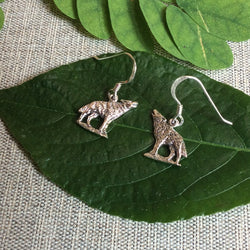 E400 Silver Howling wolf earrings