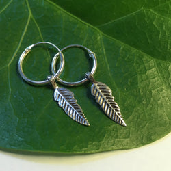E441 - Pair of 10mm Sleeper earring with feather charm
