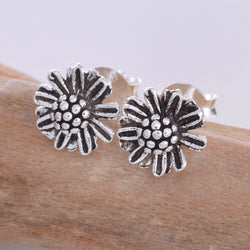 S607 - Daisy silver stud earrings