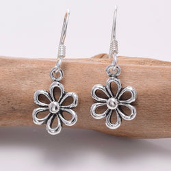 E656 - 925 Silver Open daisy earrings