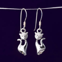 E556 - Silver cat earrings