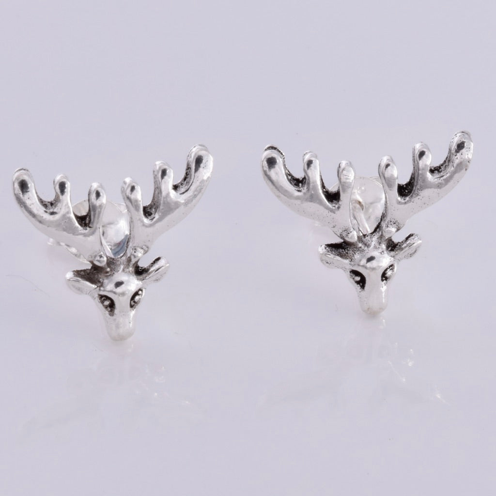 S560 - Stag stud earrings