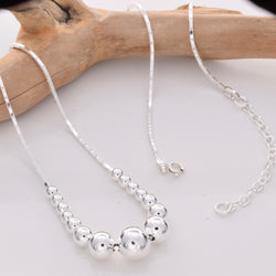 N002 - Silver Necklace with graduated beads