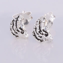 S580 - Skeleton Hand stud earrings