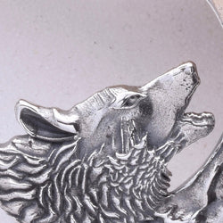 P341 - Howling wolf pendant