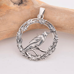 P346 -Raven in oak leaf ring