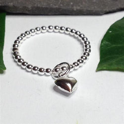 R031 - Silver bead ring with heart charm