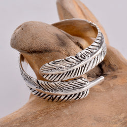 R056 Feather Design ring