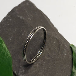 R092 - Thin oxidised rope braid ring