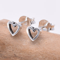 S060 Tiny Heart stud earring