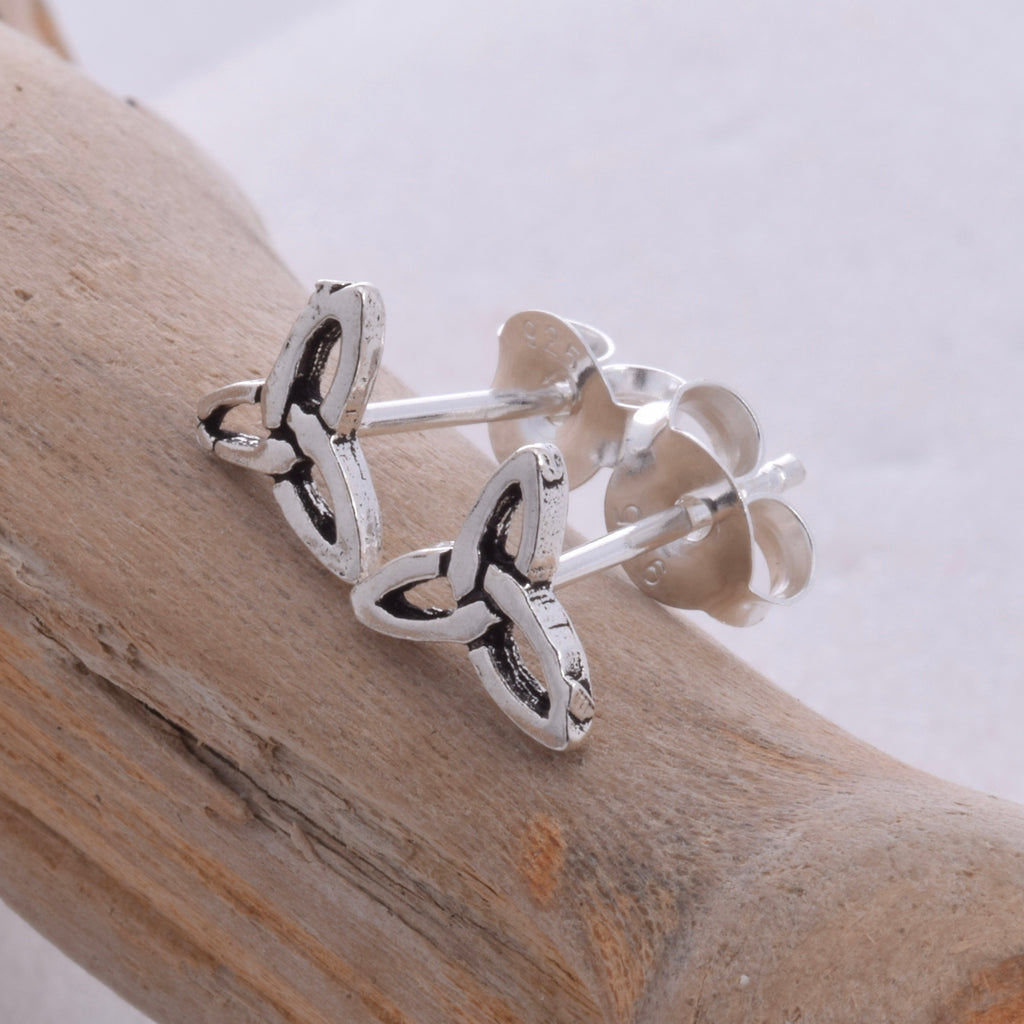 S421 - Triquetra stud earrings