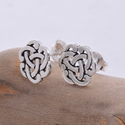 S422 - Celtic stud earring