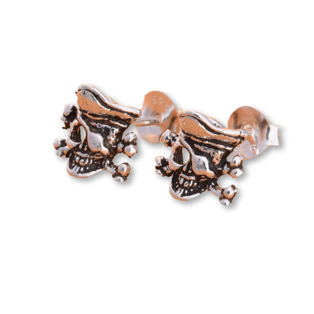 S550 - Pirate skull silver stud earrings