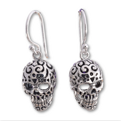E546 - 3D Silver skull earrings