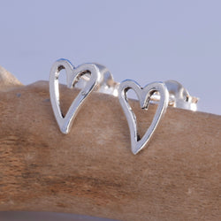 S521 - Silver Heart stud earrings