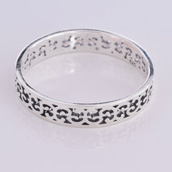 R142-Silver band ring with cut out design