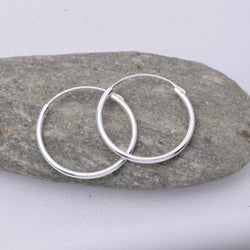 E460 - 1.2 x 18mm Sleeper hoop earrings