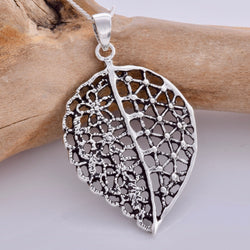 P673 - Large filigree leaf