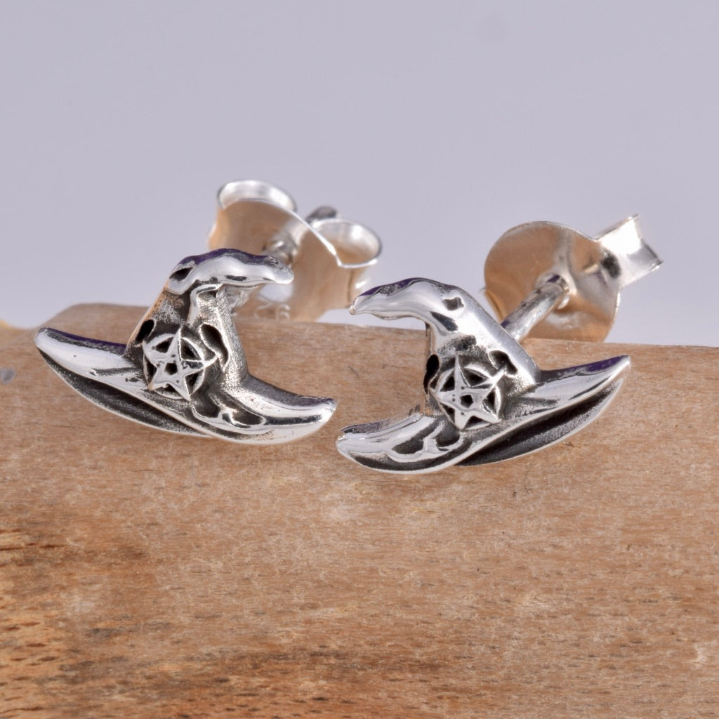S525 Witches Hat stud earrings