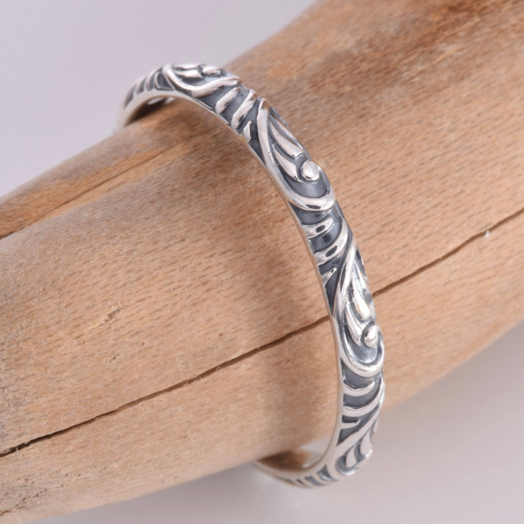 R156 - Silver scroll design stack ring