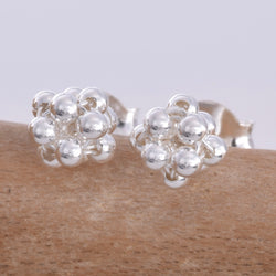 S583 - Bauble design stud earrings