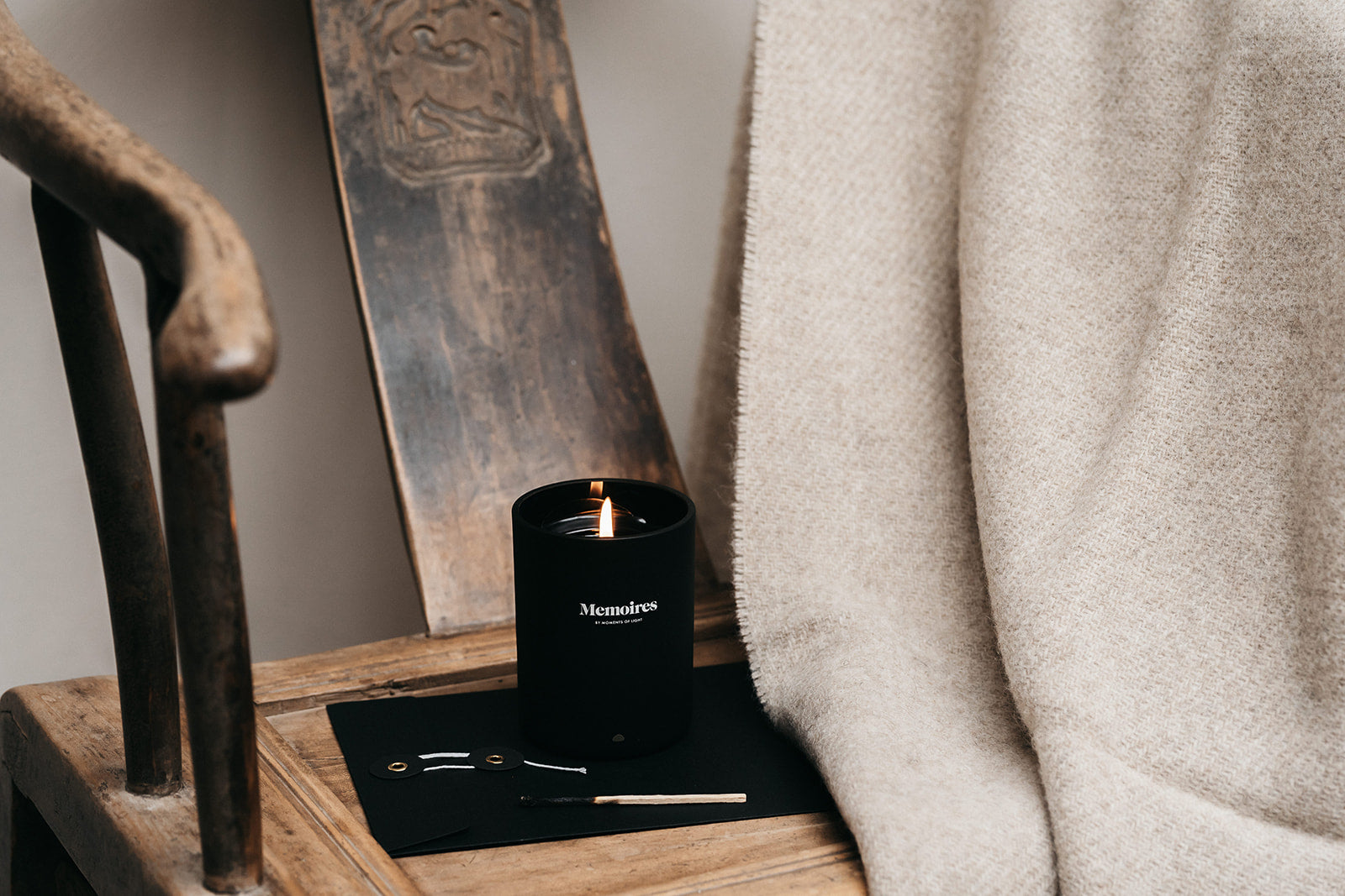 Memoires Scented Candle Bois de Santal