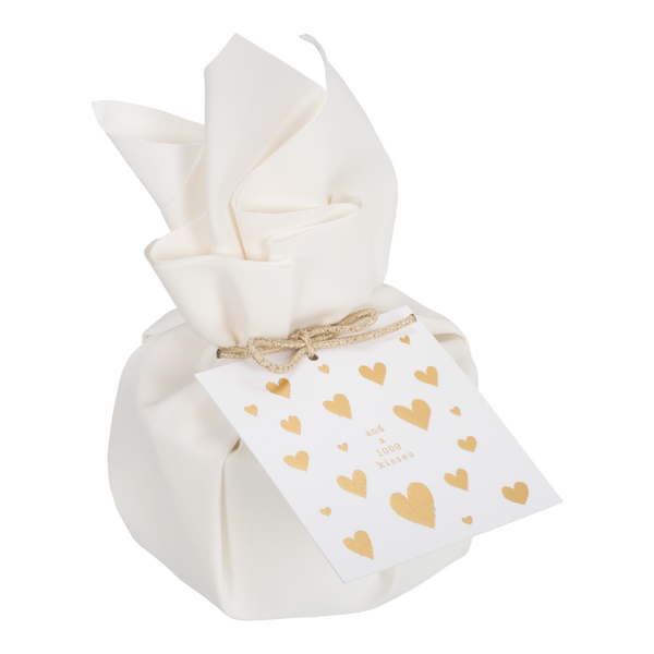 BIG GIFTWRAPPED CANDLE 'Love and a thousand kisses'