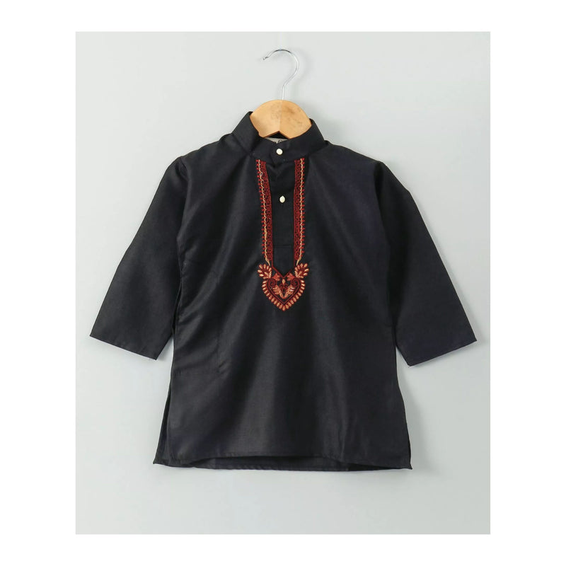 Silk Embrodery Stand Collar Soft Cotton Kurta - Black