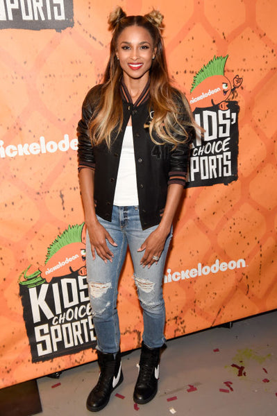 Ciara-Casual-bomber-jacket-style-outfit
