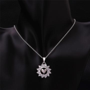 flower-white-charm-necklace