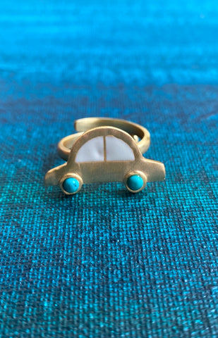 White Car Ring