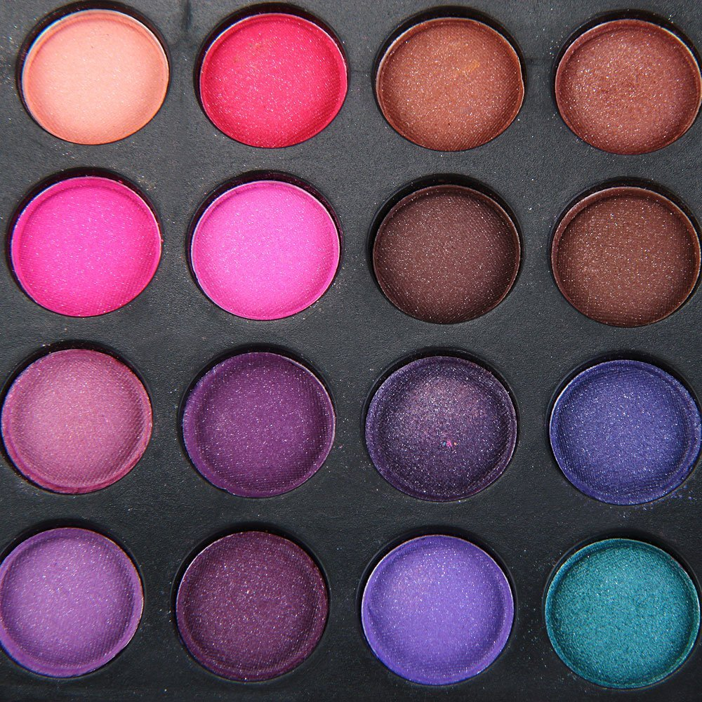 252 shades Ultimate Eye Shadow Palette