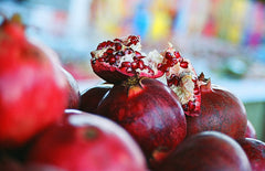 Pomegranate-Quince White Balsamic Vinegar
