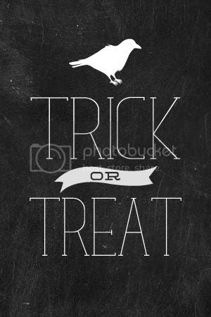 Trick or Treat Chalkboard Printable from Fancy Designs.