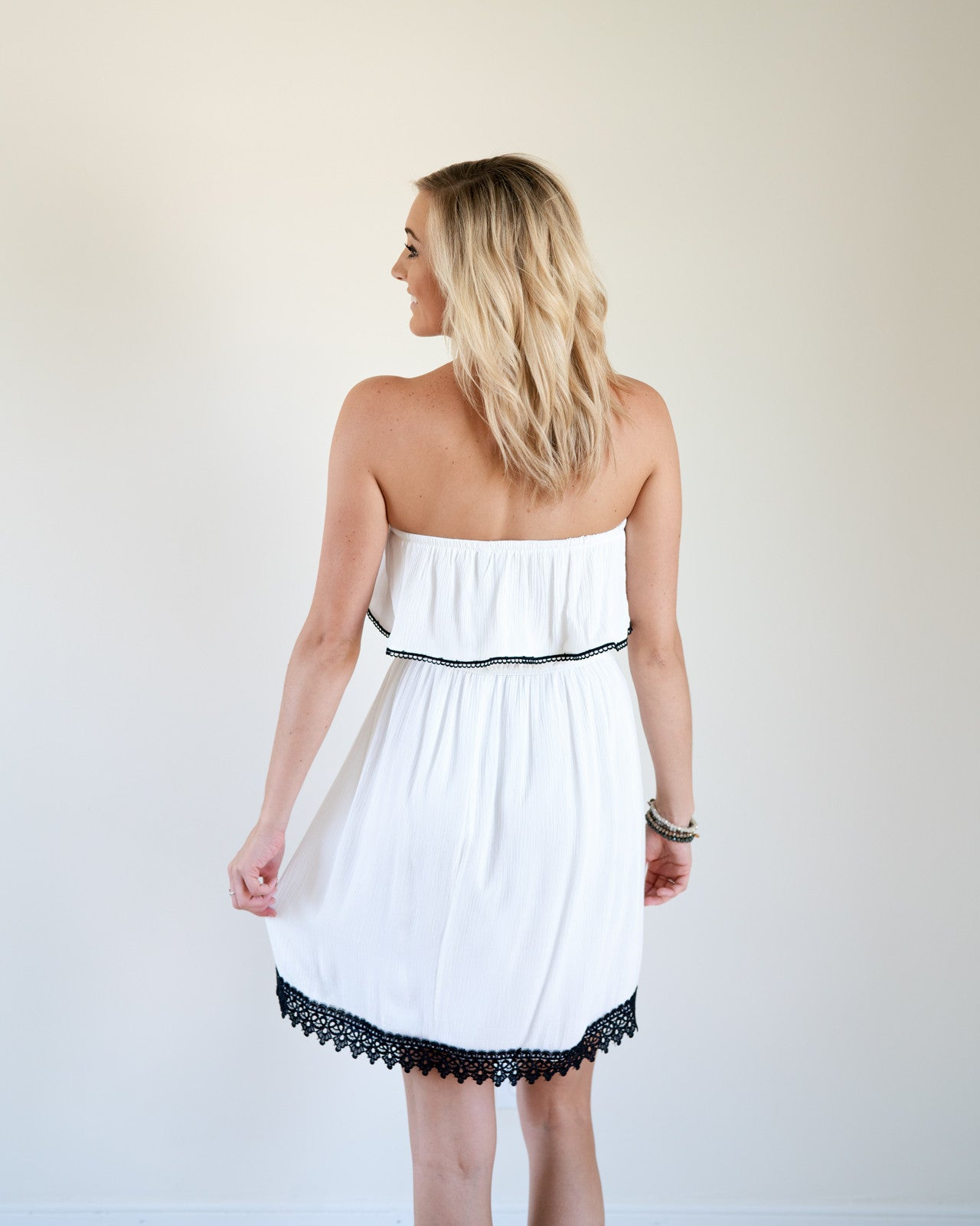 Lynne Strapless Flounce Dress | Rose & Remington