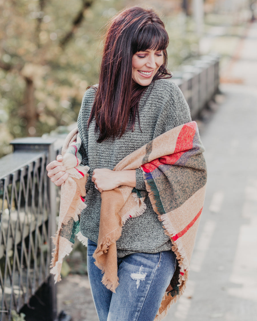 Cuddle Up Blanket Scarf - Red/Green