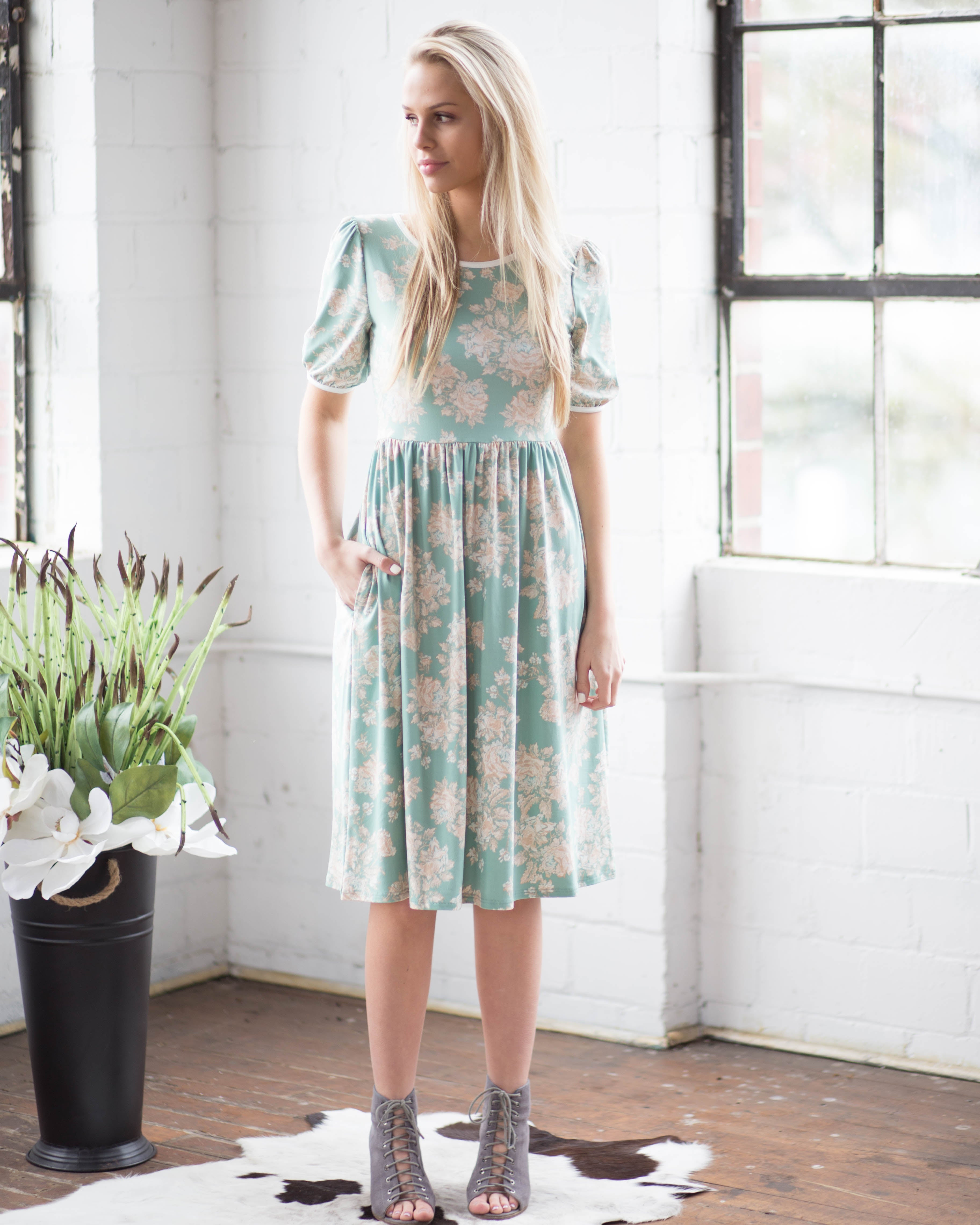 Mint Bishop Sleeve Dress | Rose & Remington