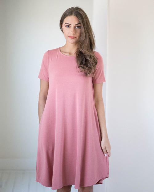 Simply Chic Pocket Dress