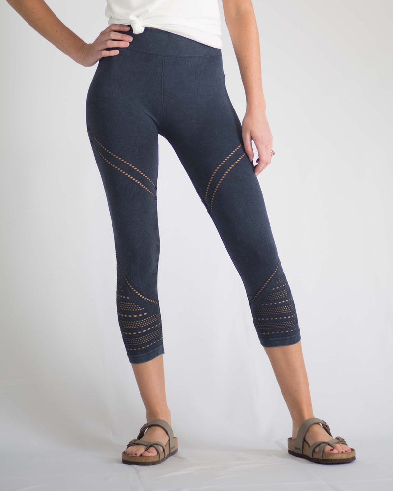 Chevron Mesh Cropped Leggings