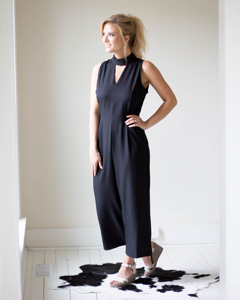 Kylie Keyhole Jumpsuit | Rose & Remington