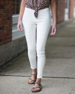 Jasmine Distressed Jeggings