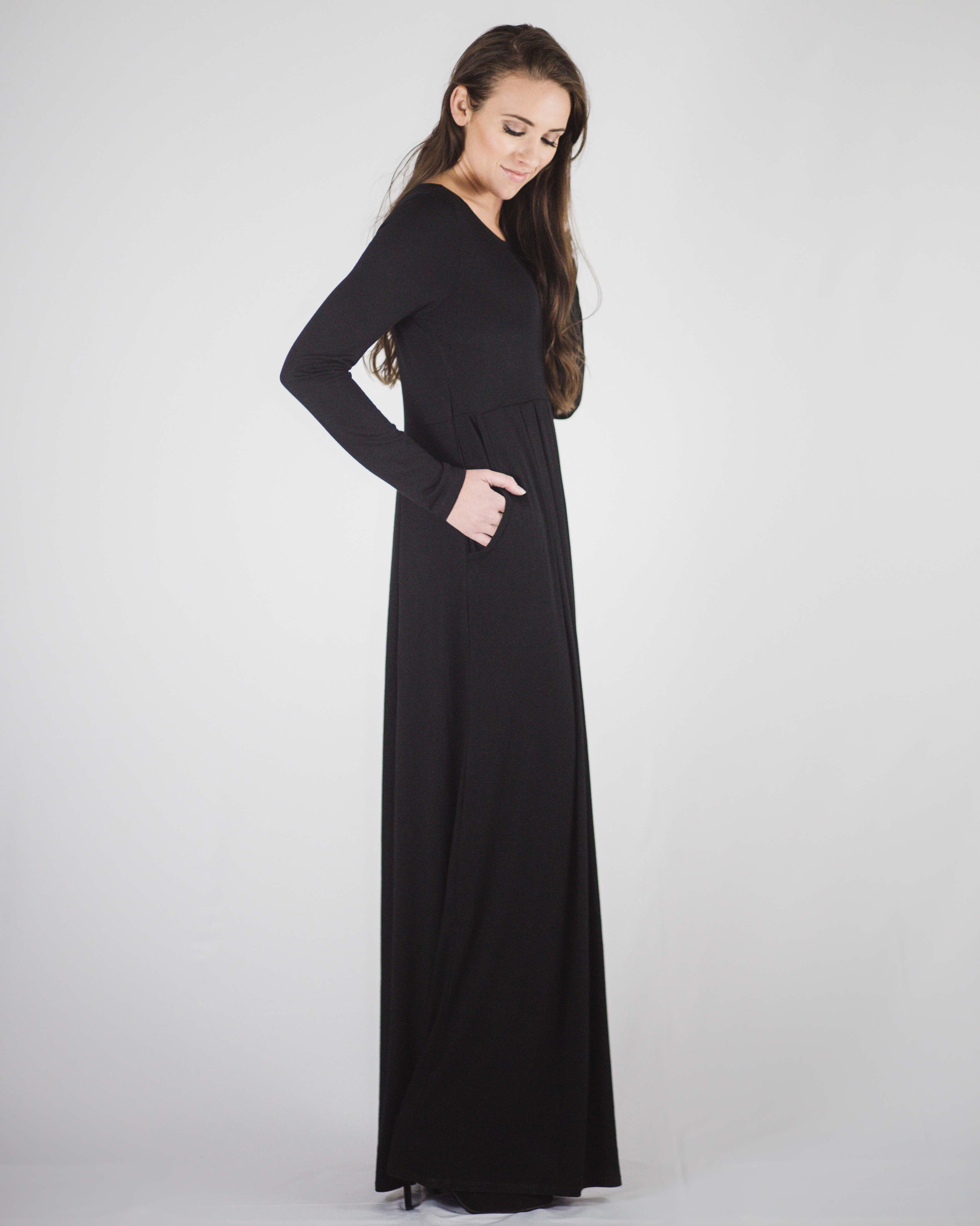 Chic Long Sleeve Pocketed Maxi Dress