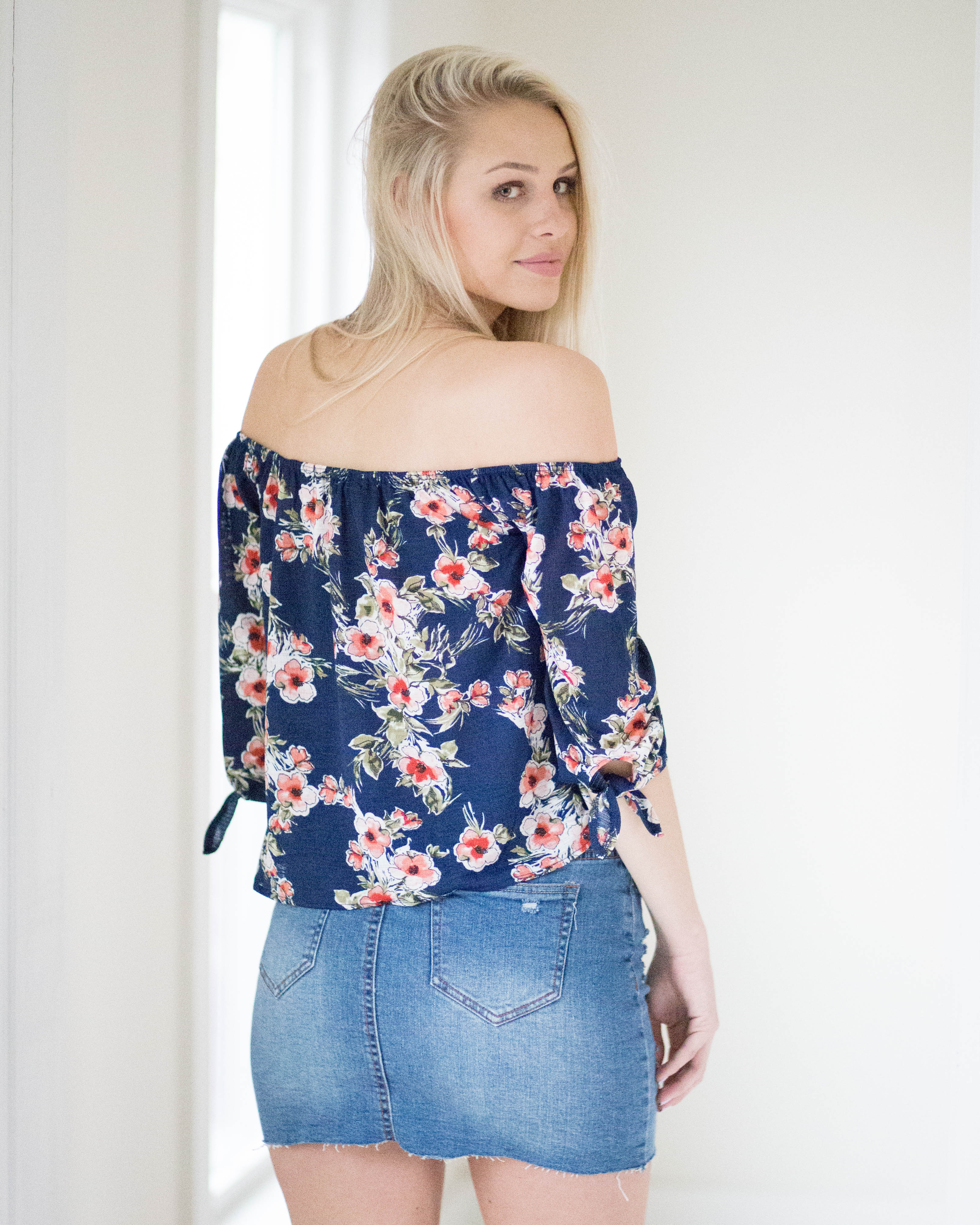 Leslie Floral Crop Top | Rose & Remington
