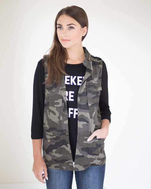 Camo Pocketed Vest | Rose & Remington