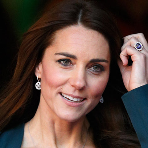 BRIDES - Kate Middleton ring close up for sapphire engagement ring article