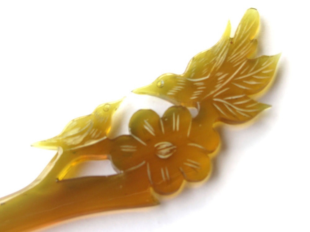 Amber love birds horn hair stick