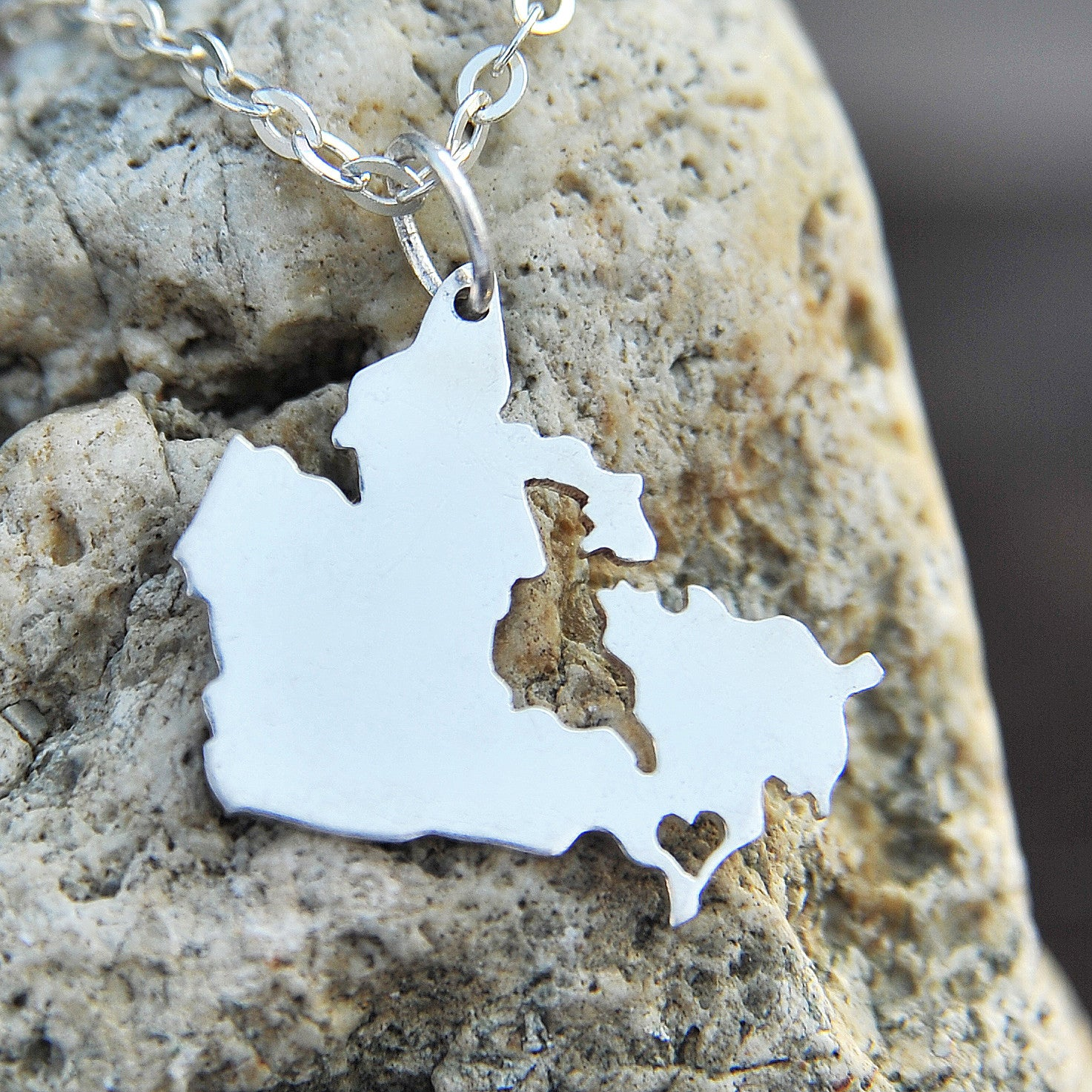 Canada map country love heart Necklace, Customized Necklace