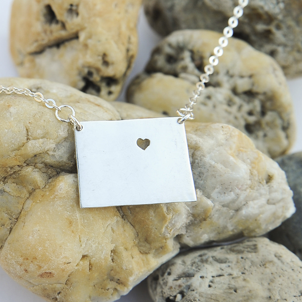 Colorado map state love heart Necklace, Customized Necklace